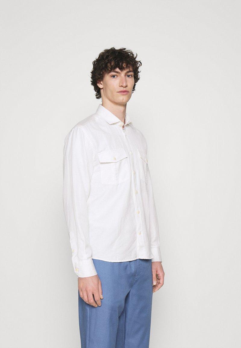 Frescobol Carioca - MARCOS SAFARI OVERSHIRT - Summer jacket - white