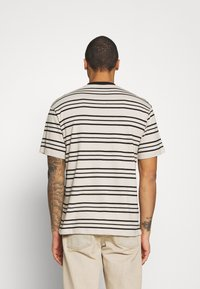 Sweet SKTBS - UNISEX SWEET LOOSE STRIPED TEE - Camiseta estampada - ecru/black - 2