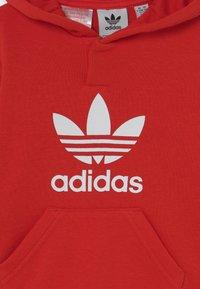 adidas Originals - HOODIE SET UNISEX - Trainingspak - red/white - 3