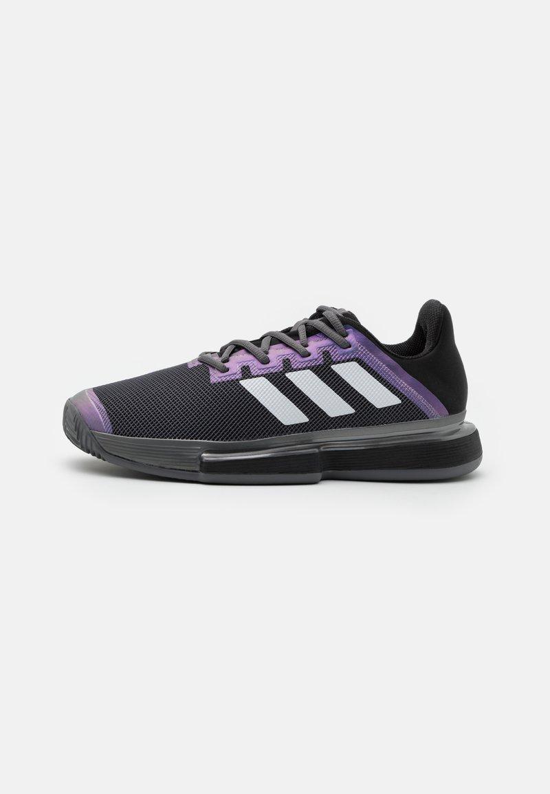 adidas Performance - SOLEMATCH BOUNCE CLAY - Tennisskor för grus - core black/footwear white/grey five