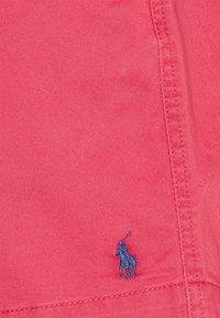 Polo Ralph Lauren - 6-INCH POLO PREPSTER TWILL SHORT - Shorts - chili pepper - 6