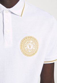 Versace Jeans Couture - ADRIANO LOGO - Polo - bianco - 7