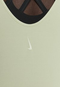 Nike Performance - THE YOGA LUXE - T-shirts - celadon/olive aura - 4