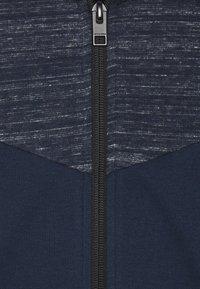 Jack & Jones - JJBANG ZIP HOOD - Zip-up hoodie - navy blazer - 2