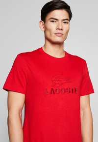 Lacoste - TH8602-00 - Print T-shirt - red - 5