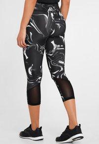 LASCANA Active - MIT BREITEM BUND - Leggings - black - 2