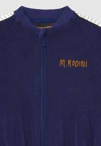 Mini Rodini - PIANO TERRY - Zip-up hoodie - navy - 2