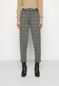 Marks & Spencer London - BELTED TROUSER - Pantalones chinos - grey - 0