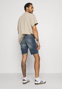 Redefined Rebel - RROSAKA - Denim shorts - blue denim - 2