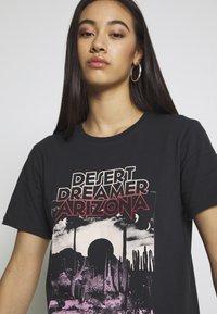 Gina Tricot - EDITH TEE - T-shirt imprimé - offbl/desert - 3