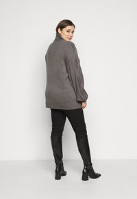 Missguided Plus - ROLL NECK CABLE SLEEVE JUMPER - Jumper - charcoal - 2