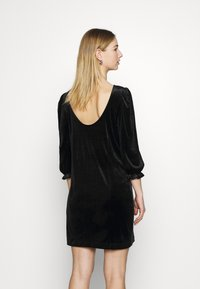 Monki - WILMA DRESS - Pouzdrové šaty - solid black - 2