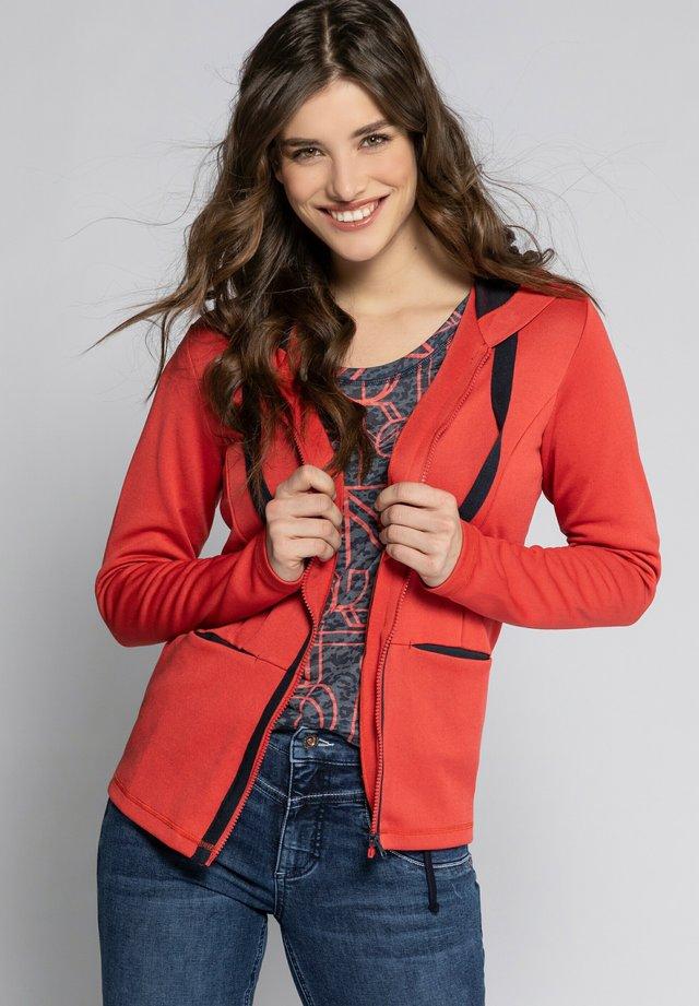 FEEL GOOD  - veste en sweat zippée - hibiskusrot