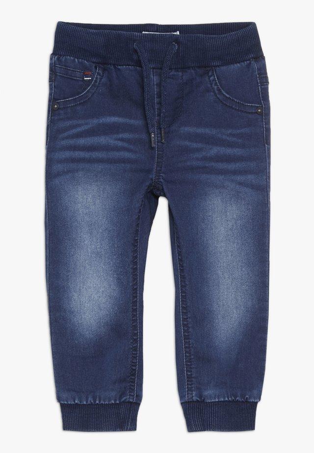 NBMROMEO DNMTOLLY PANT - Slim fit jeans - medium blue denim