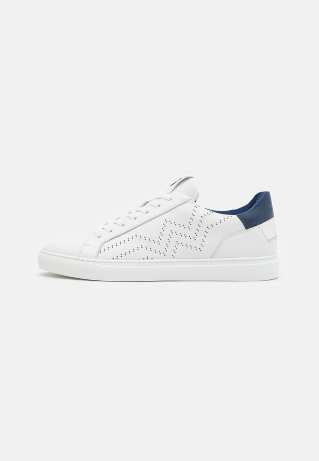 NIZZA - Sneakersy niskie - white/navy