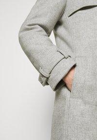 DRYKORN - SKOPJE - Krátký kabát - light grey - 4
