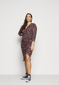 Simply Be - RUCHED SIDE DRESS - Day dress - black - 0