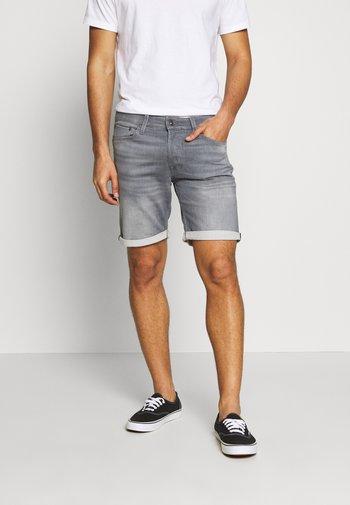 JJIRICK JJICON - Denim shorts - grey denim