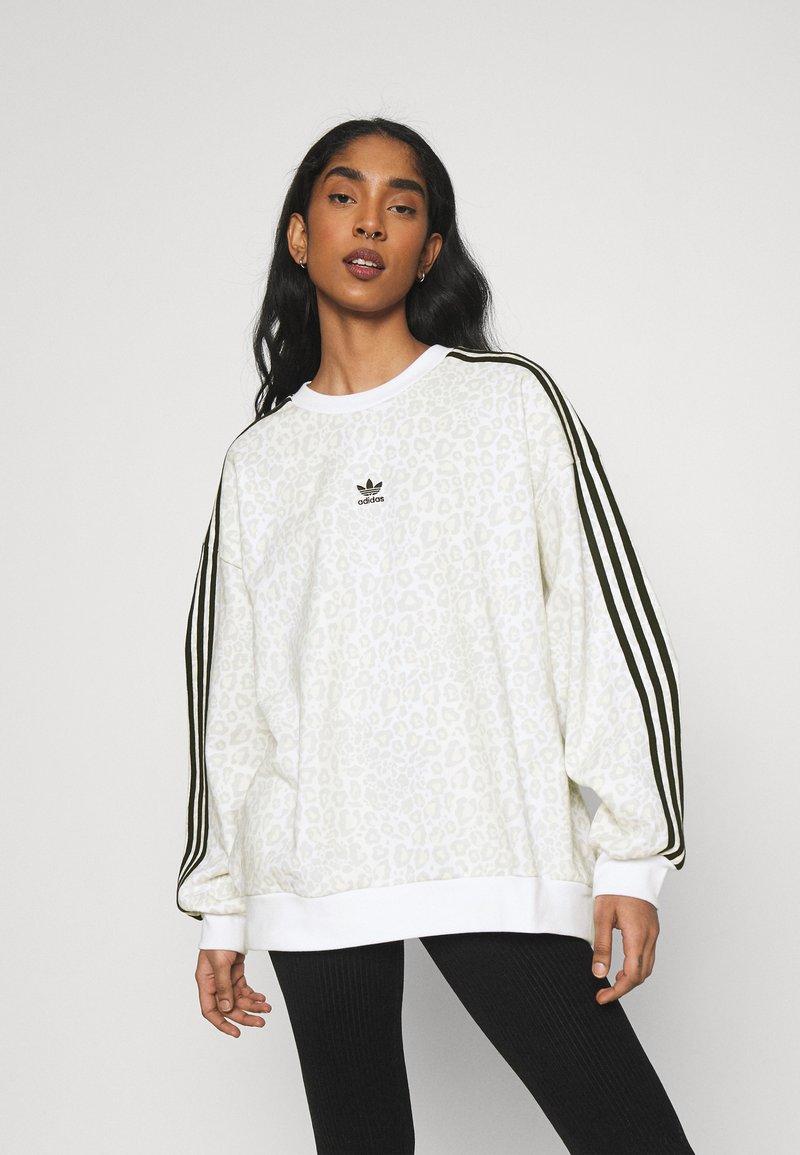 adidas Originals - LEOPARD CREW - Sweatshirt - multco/white/talc