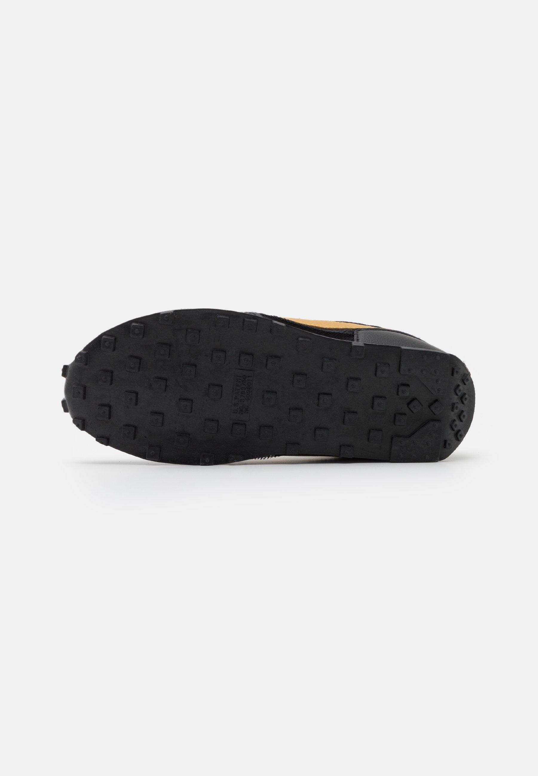 Nike Sportswear DAYBREAK Sneaker low black/metallic gold/white/schwarz