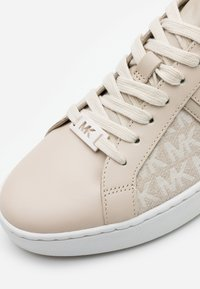 MICHAEL Michael Kors - KEATON - Sneakers laag - light sand - 4