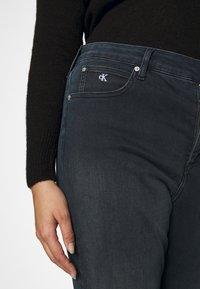 Calvin Klein Jeans Plus - HIGH RISE ANKLE - Jeans Skinny Fit - dark-blue denim - 3