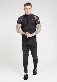 SIKSILK - Overhemd - jet blackfloral animal - 3