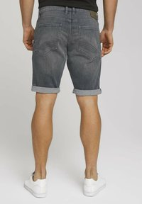 TOM TAILOR - Jeansshorts - clean mid stone grey denim - 2