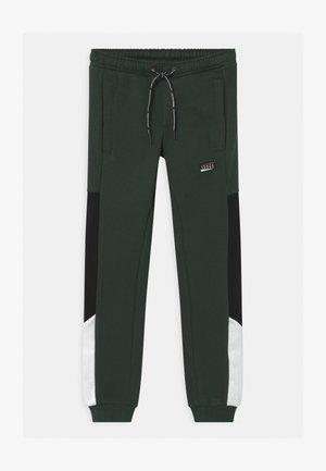 JJIWILL JJNOLAN - Teplákové kalhoty - darkest spruce