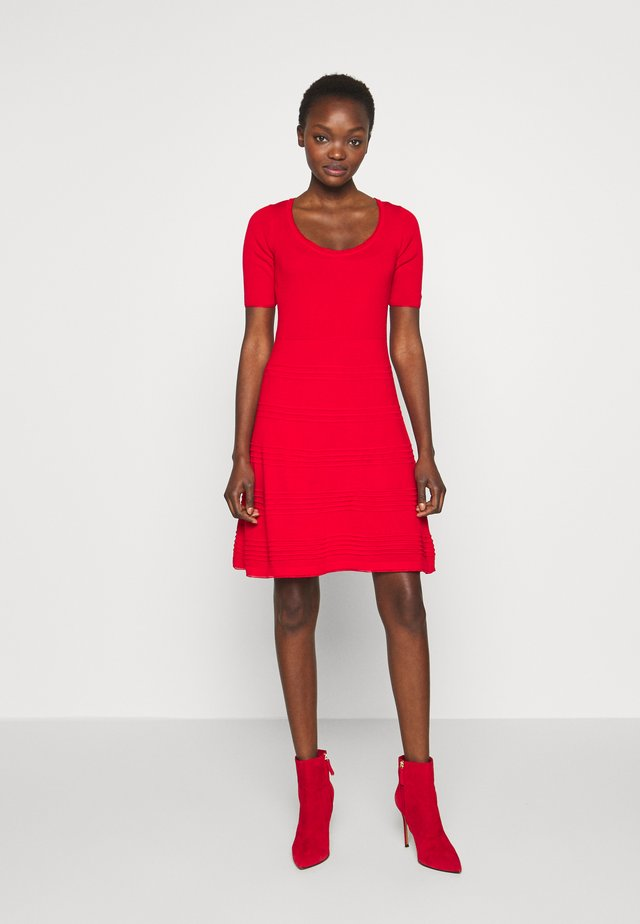 DRESS - Gebreide jurk - red