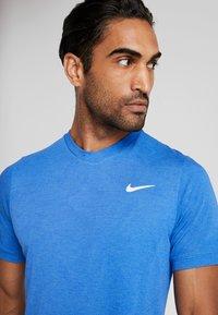 Nike Performance - DRY  - Camiseta básica - game royal/white - 4