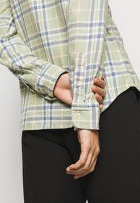 Polo Ralph Lauren - GEORGIA LONG SLEEVE - Button-down blouse - faded green - 4