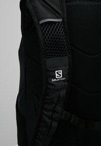 Salomon - TRAILBLAZER 20 UNISEX - Backpack - black/black - 5