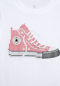 Converse - PIXEL CHUCK TEE - Print T-shirt - white - 3