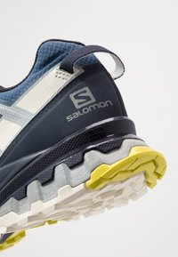 Salomon - XA PRO 3D GTX - Trail running shoes - dark denim/navy blazer/vanilla - 5