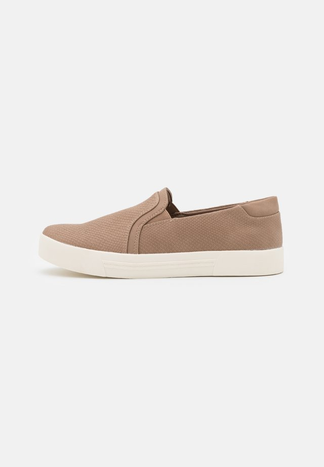 NORTHELLE - Instappers - light brown