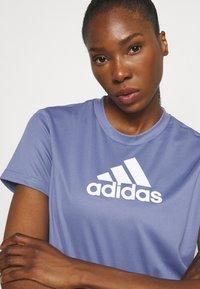 adidas Performance - Camiseta estampada - orbit violet/white - 3