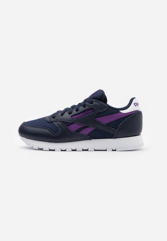 Sneakers laag - vector navy/regal purple/white