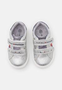Tommy Hilfiger - Sneakersy niskie - silver - 3
