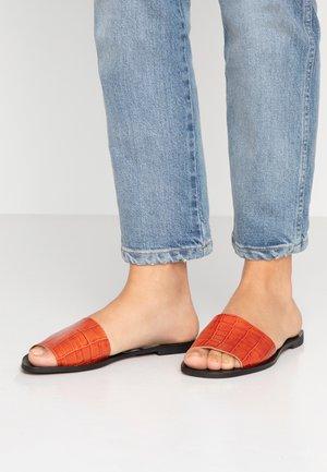 Pantofle - monterrey ceramic