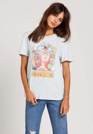 PANGEASEED - Print T-shirt - pale_blue