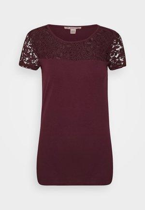 Print T-shirt - winetasting