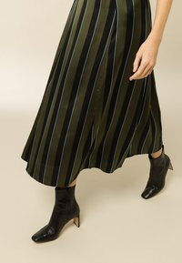 IVY & OAK - A-line skirt - dark olive - 3
