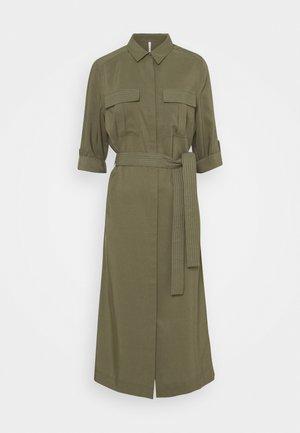 ISABELLA - Robe chemise - range