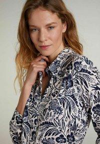 Oui - Button-down blouse - white blue - 3