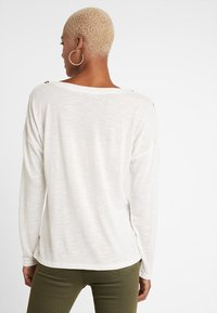 Pieces - PCNOLLIE ONECK - Pullover - cloud dancer - 2
