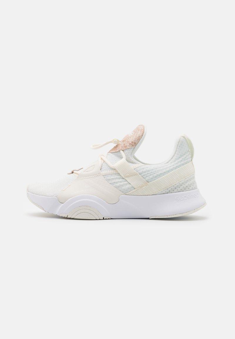 Nike Performance - SUPERREP GROOVE  - Treningssko - sail/white/particle beige