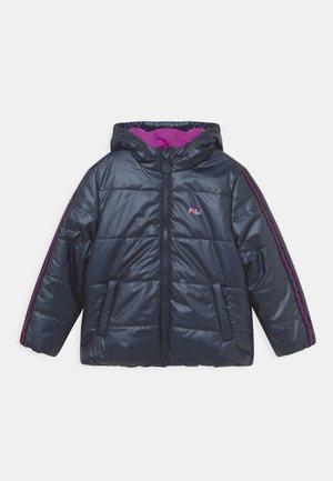 ZORA HOODED PUFF - Winter jacket - black iris