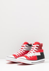 Converse - CHUCK TAYLOR ALL STAR - Baskets montantes - university red/white/black - 2