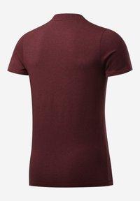 Reebok - TRAINING ESSENTIALS MÉLANGE T-SHIRT - Basic T-shirt - red - 7
